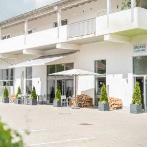 Hotel Pension Wess Außenansicht Eingang